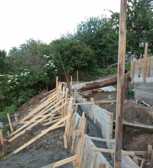 Подпорная стена из бетона - укрепительная подпорная стена